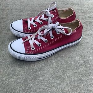 Converse sneakers maroon red size 6